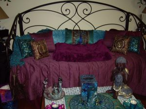 "Turquose and Magenta bedroom decor in ""peacock room"""