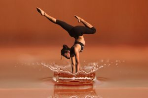 Photographer GerdAltmann acrobatics in water
